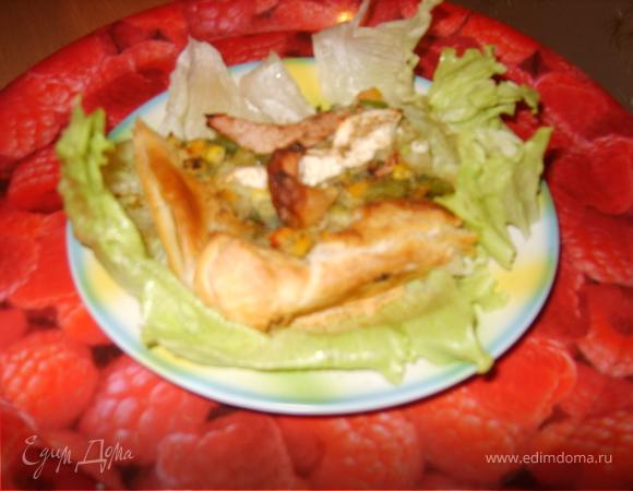 """Пицца """"Пикник в осеннем лесу"""" на листьях салата"""