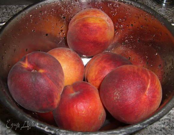 Персиковый десерт с пломбиром