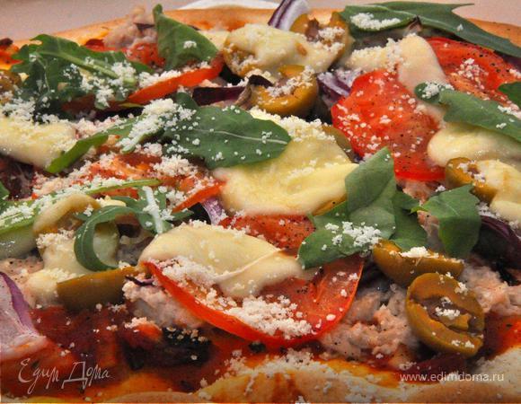 Пицца с тунцом и луком (Pizza con Tonno e Cipolle).