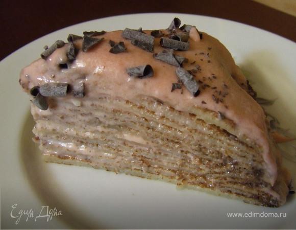 Блинный торт с бананово-клубничным кремом