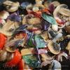 Паста с шампиньонами, помидорами и базиликом
