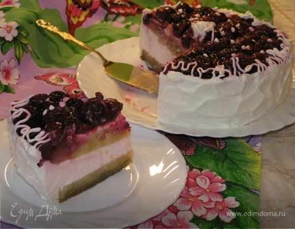Бисквитный торт с вишней и клубничным суфле (Tescoma)
