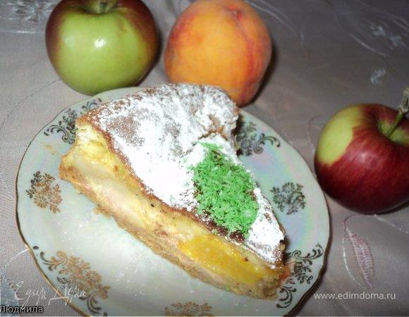 Пирог с яблоками и персиками.