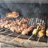 Соте из куриной грудки на гриле, с огурчиками в остром соусе