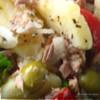Теплый салат с картофелем и тунцом