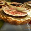 Мини-чизкейки с инжиром и лимонным соусом