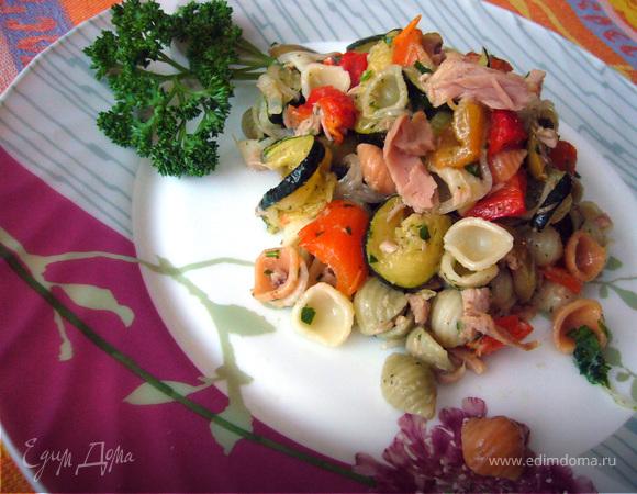 """Салат с ракушками """"Nordic"""", овощами и тунцом"""