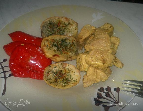Печеные овощи и пряная свинина