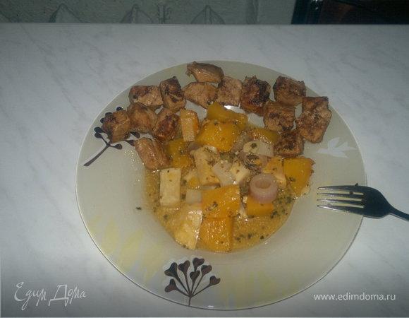 Французское горчичное овощное рагу и сладкая свиная корейка