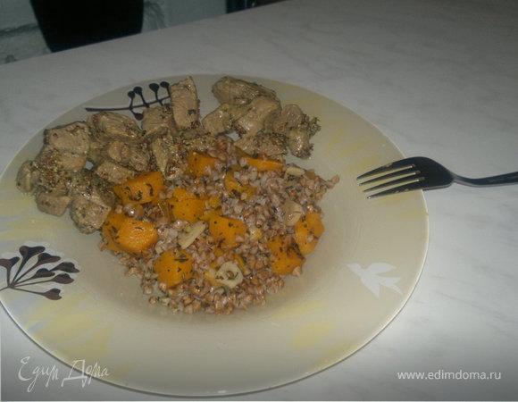 Гречотто с тыквой и чесноком и говядина, тушенная в 5 видах перца и французской горчицей