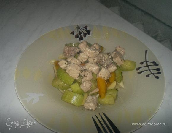 Паста с двумя видами свинины и овощами