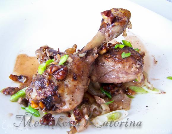 Куриные ножки в ореховом соусе