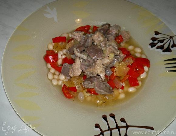 Имбирная фасолевая похлебка с мясом птицы и овощами