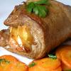 Сочный шницель с яблоками и морковным гарниром