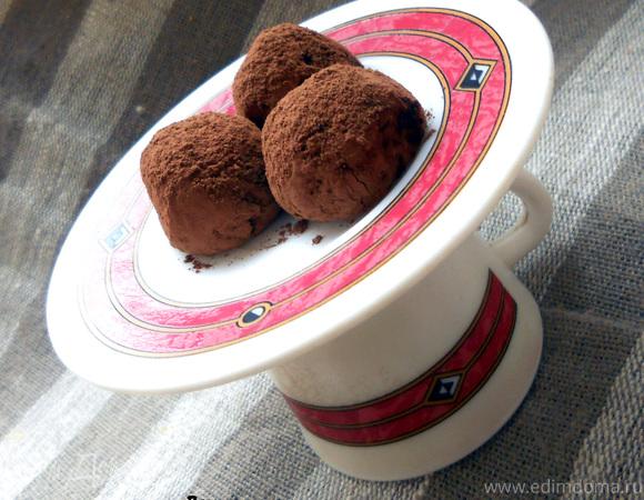 Шоколадные конфеты с пралине из кешью