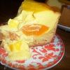 Творожно-песочный пирог с персиками