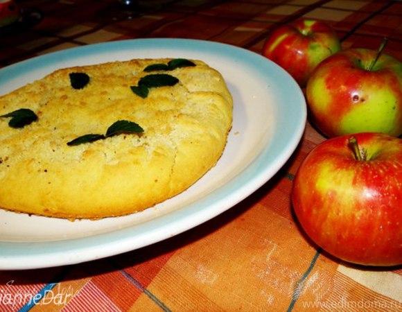 Галета с карамелизированными яблоками