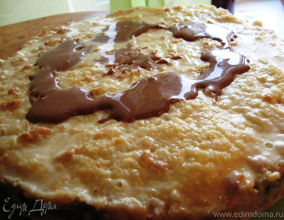 Слоеный пирог с творогом и сладкой заливкой