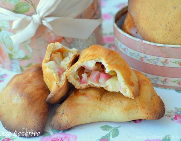 Пирожки из вкусного медово-творожного теста с яблоками или другой начинкой
