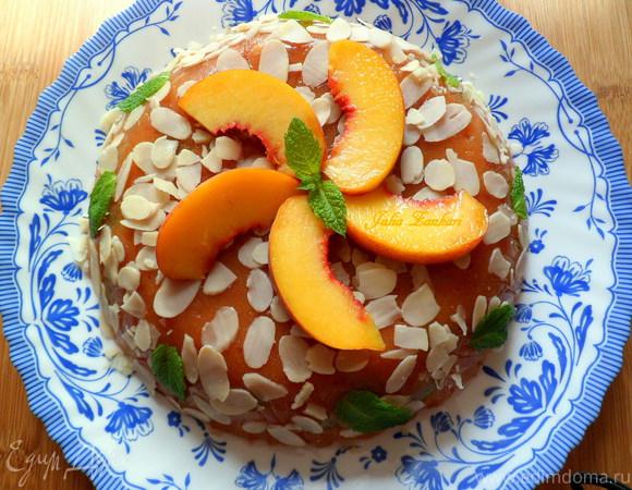 Персиковый мусс-желе с виноградом и лепестками миндаля