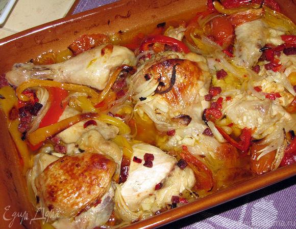 Курочка, тушенная с овощами и острой салями (по-средиземноморски)