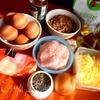 """""""Хитрые"""" яйца, запеченные в мясной шубке"""