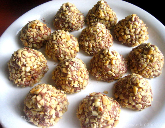Домашние трюфеля в орехах и сезаме