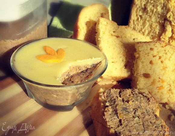 Паштет из куриной печени с тыквой и шампиньонами на тыквенном хлебе