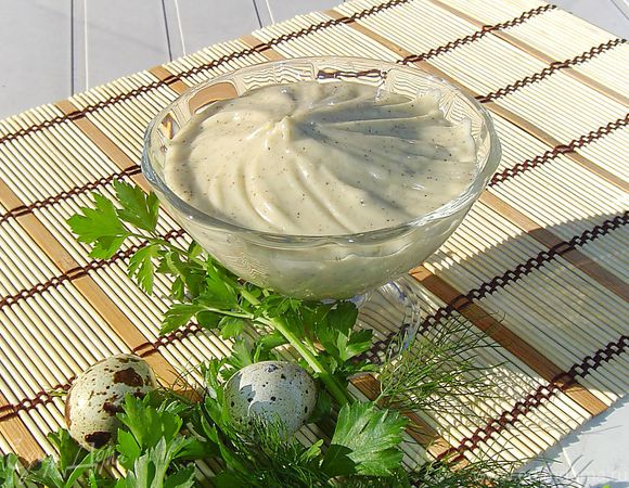 Майонез на перепелиных яйцах с зеленью