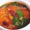 Суп из киноа, фасоли и шпината