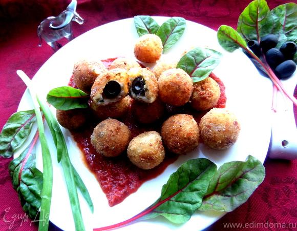Сырная закуска-шарики в томатном соусе