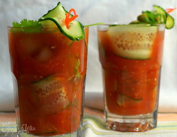Летний томатно-огуречный коктейль