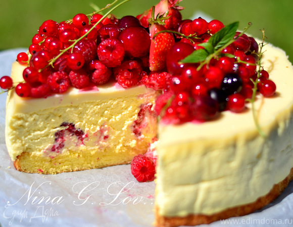Творожный торт-мусс с ягодами в белом шоколаде