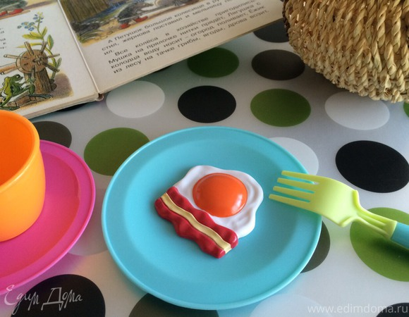Яичница с беконом на десерт