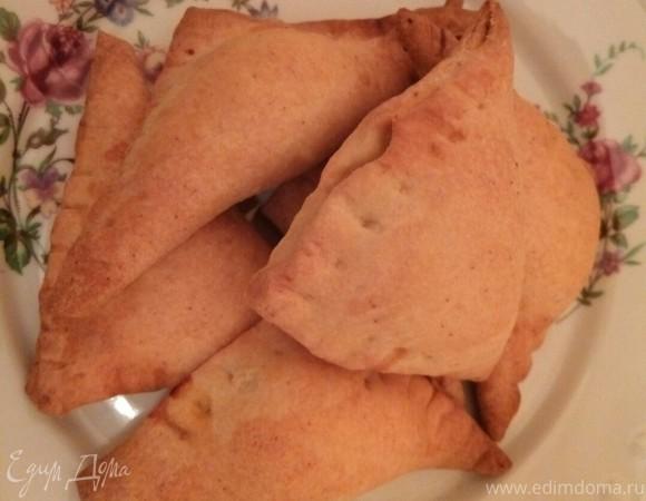 Мини-пирожки из творожного теста с сырно-куриной начинкой
