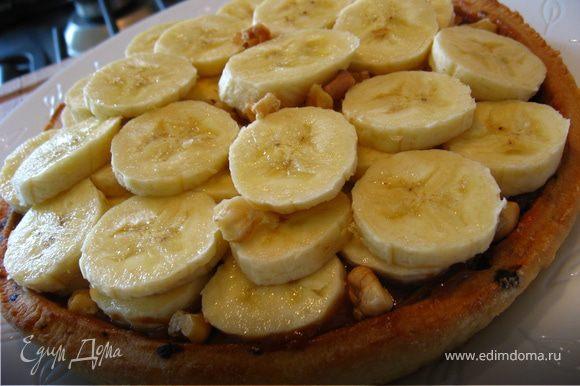 Затем идет слой бананов (чем больше, тем лучше))