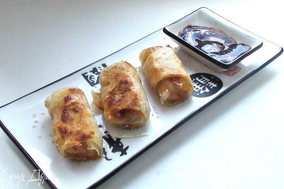 Смешать все ингредиенты для соуса. Приятного аппетита))))))