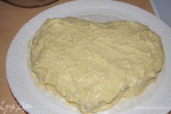 Второй крем смешать с мягким сливочным маслом, сметаной и первым кремом. Делает торт: корж - крем - корж - крем.