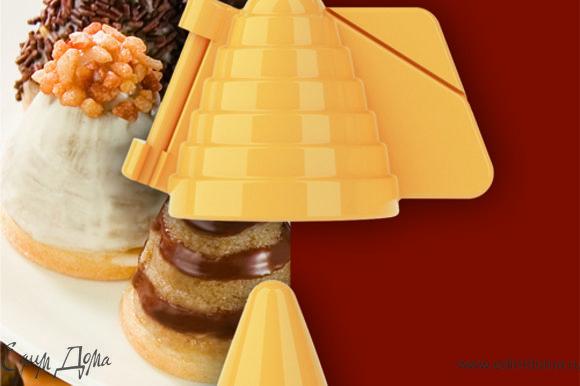 По желанию в смесь можно добавить горсть измельченных грецких орехов или размолотого бисквитного печенья.