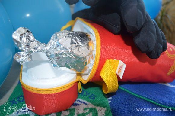 Рулеты положить под гриль, чтобы как следует, прогрелись, переложить в детский термос, его в рюкзак и вперед. МИР ВАМ.