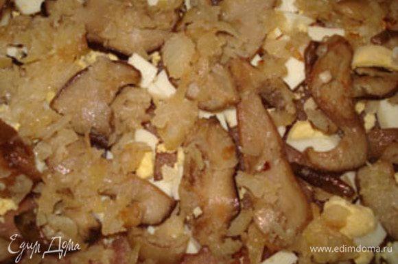 затем жареные грибы с луком