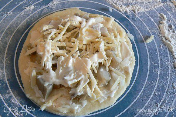 посыпать тертым сыром,запечь до готовности