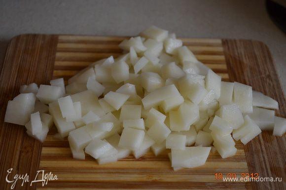 Картофель режим средним кубиком и в горшочек.