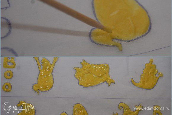 Пекарскую бумагу с рисунком перевернуть так, чтобы прорисованная сторона оказалась внизу (зачем нам на бисквите отпечатки шариковой ручки?). Чайной ложкой выкладываем немного теста внутрь каждого Каспера и деревянной шпажкой аккуратно распределяем тесто, заполняя рисунок. После того, как все будет готово – поместить бумагу с рисунком в холодильник не менее, чем на 30 минут. Тесто должно как застыть. Из того теста, которое у меня осталось – я испекла кексики.