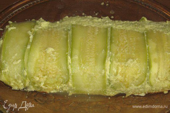 Дать фланy остыть,накрыть форму блюдом и перевернуть. Приятного аппетита:)
