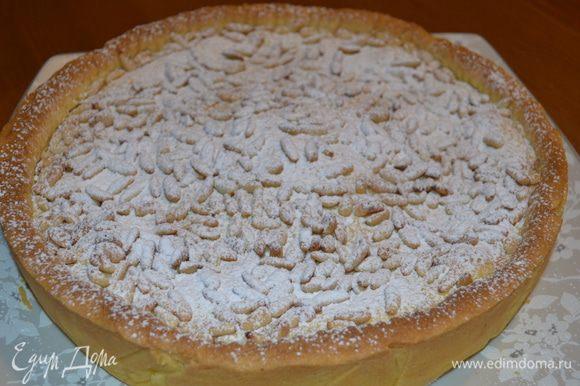 Полностью охлажденный торт обильно присыпать сахарной пудрой!!!