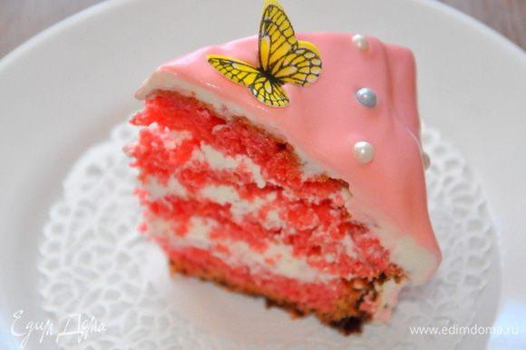 Торт убрать в холодильник минимум на 2 часа, потом можно угощаться.