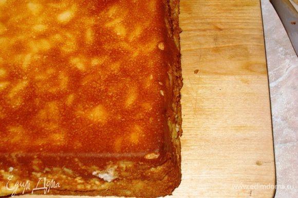Отварить рис в кипятке 2 мин. и откинуть на дуршлаг. Затем переложить обратно в кастрюле и варить в молоке с сахаром и цедрой в течение 20 мин. с момента закипания на слабом огне, все время помешиваем. Остужаем рис. Когда он станет тепловатым, взбиваем сливки с ванильным сахаром, добавляя по одному желтки. Соединяем с рисом. Отдельно взбиваем белки в стойкую пену и вводим в рисовую массу, частями в 3 приема, аккуратно перемешивая. Выкладываем в форму ровным слоем. Духовка 170С, 50 мин.