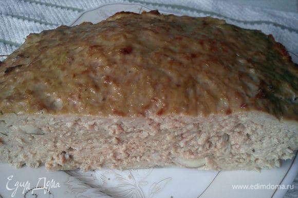 К запеканке совсем не требуется гарнир, она очень сытная и будет достаточно легкого салатика.