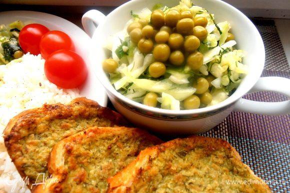 Сырные гренки с чесночком ( http://www.edimdoma.ru/retsepty/55482-aromatnyy-hlebushek-i-grenki-s-chesnochno-syrnym-pripekom) отлично вписались в обед)))